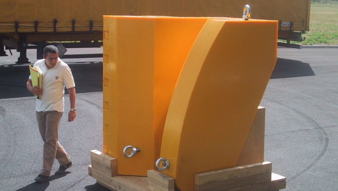 Large dimension Clamp in UREFLEX rigid polyurethane
